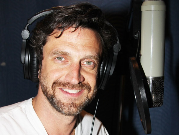 Raúl Esparza and the Cast of Leap of Faith Rise Up in the Recording Studio