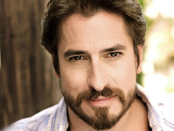 Matthew Saldivar Becomes Peter and the Starcatcher's Black Stache
