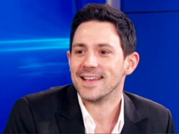 Once Tony Winner Steve Kazee Talks Taking Pictures From His Toilet on New York Live