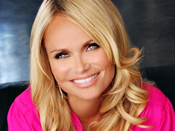 Kristin Chenoweth Drops Out of The Good Wife to Recover from Injuries