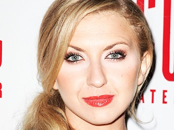 Tony Winner Nina Arianda in Talks to Join Jessica Chastain in The Disappearance of Eleanor Rigby Film