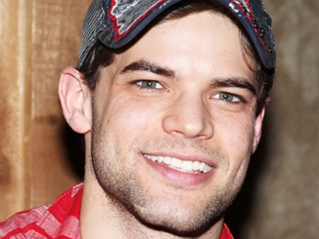 Jeremy Jordan, Bernadette Peters, Cheyenne Jackson and More On Tap for Autograph Table at Broadway Flea Market