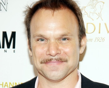 Norbert Leo Butz to Join Katie Holmes in Theresa Rebeck's New Broadway Comedy Dead Accounts