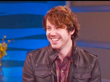 Watch John Gallagher Jr. Talk About The Newsroom and Partying With Aaron Sorkin 