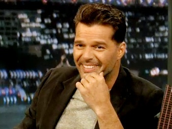 Evitas Ricky Martin Discusses #SIP and Drunk Audience Members on Jimmy Fallon
