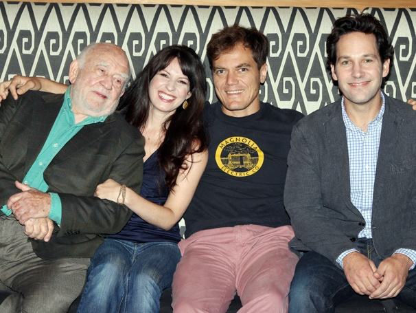 Grace Stars Paul Rudd, Michael Shannon & Ed Asner Pose Poolside at Press Event