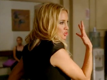 Kate Hudson Hits the Dance Floor with Lea Michele in Glee Sneak Peek