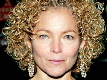 Amy Irving Joins Cast of ABC Drama Zero Hour