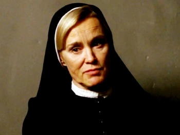 Scary Sister Jessica Lange Lays Down the Law in New Trailer for American Horror Story: Asylum