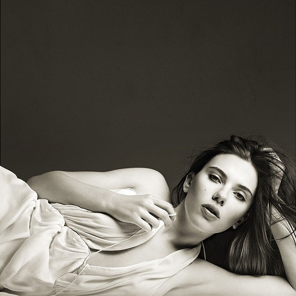 Exclusive First Look! See Scarlett Johansson as a Sexy Maggie in Broadway's Cat on a Hot Tin Roof