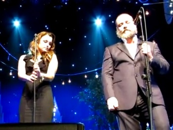 Watch Les Miserables Movie Stars Russell Crowe and Samantha Barks Team Up for NYC Concert