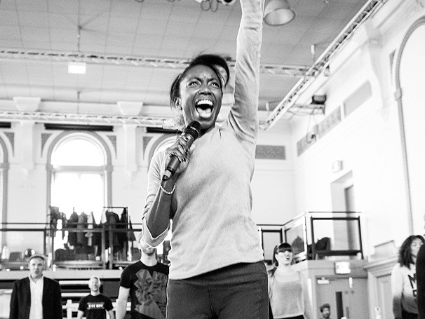 Tony Winner Heather Headley Gets Fierce in Rehearsal for New London Musical The Bodyguard