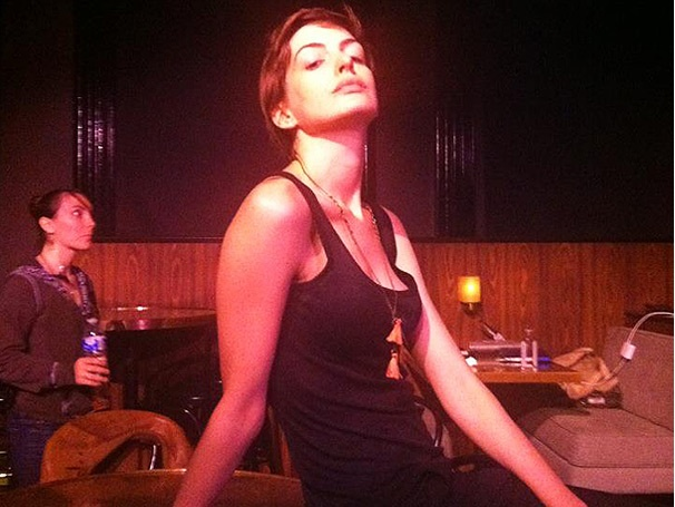 Anne Hathaway Channels Sally Bowles at Joe's Pub in Starry Cabaret Benefit Concert