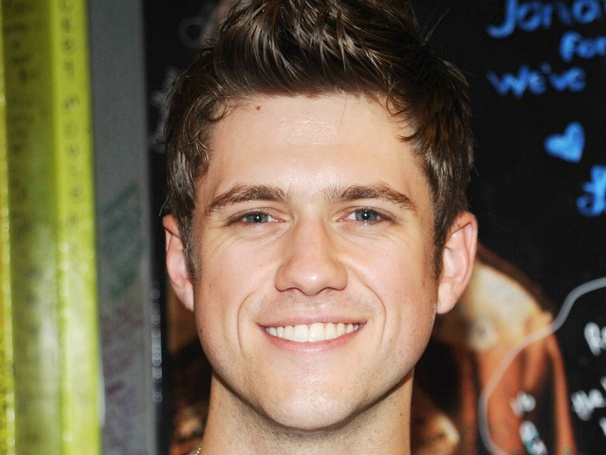 Weekend Poll Top Three: Fans Want to Feel the Force of Aaron Tveit as Star Wars' Luke Skywalker