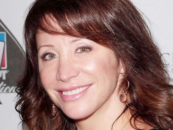 SNL Star Cheri Oteri Extends Her Stay in Off-Broadway's NEWSical