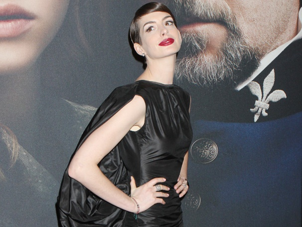Anne Hathaway, Hugh Jackman, Aaron Tveit & the Stars of Les Misérables Gather for Gala NYC Premiere
