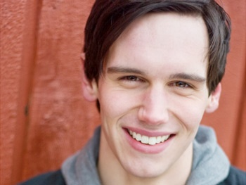Cory Michael Smith to Join Emilia Clarke in Broadway's Breakfast At Tiffany's