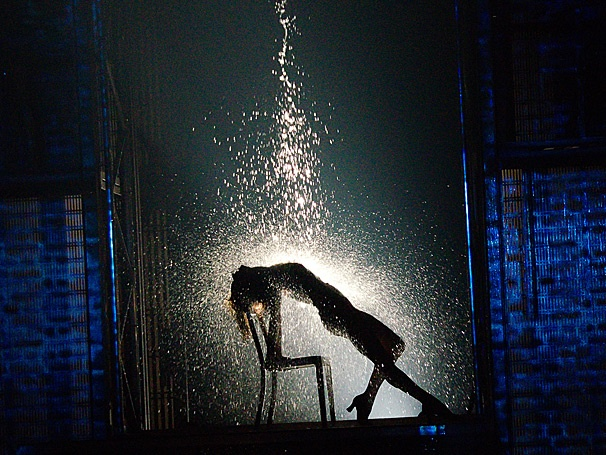 Flashdance's Iconic Chair Dance Moment Comes to Life On Stage