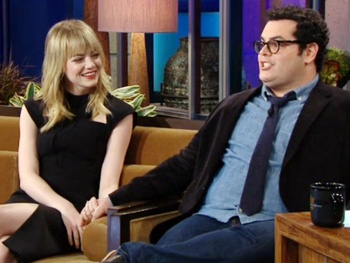 1600 Penn's Josh Gad Woos Emma Stone and Talks Airplane Drama on Leno
