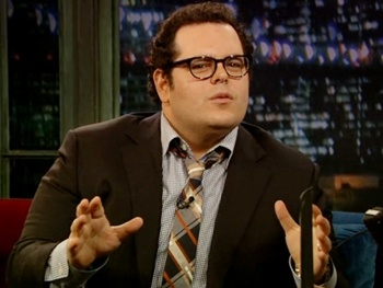 Josh Gad Impersonates Obama, Bush, Nixon and More Presidents on Late Night with Jimmy Fallon