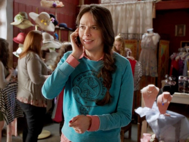 Barre Hopping: Sutton Foster Makes an Embarrassing Discovery On Bunheads