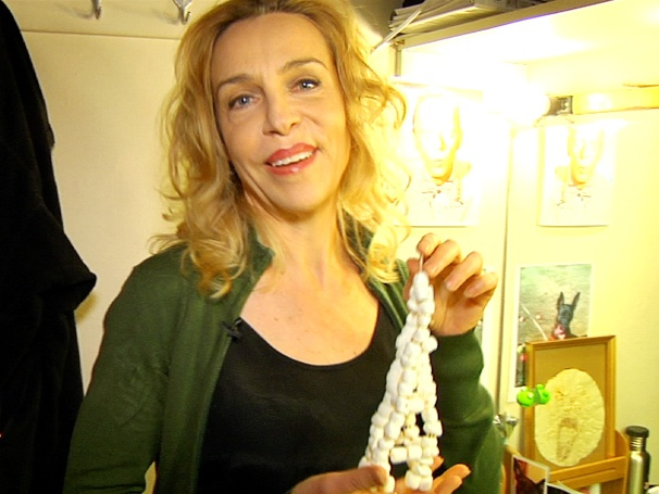 Ellen Harvey Shows Off Her 'Fosse Tortilla,' Trendy Phone & Surprise Guest Backstage at Phantom