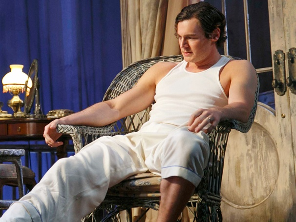 Cat on a Hot Tin Roof Star Benjamin Walker on Co-Starring with the 'Fantastic' Scarlett Johansson, Acting in a Towel & More