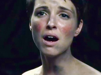 'I Did It All in One Take, Bitches!' Fantine Begs for Oscar Votes in Hilarious Les Miz Parody