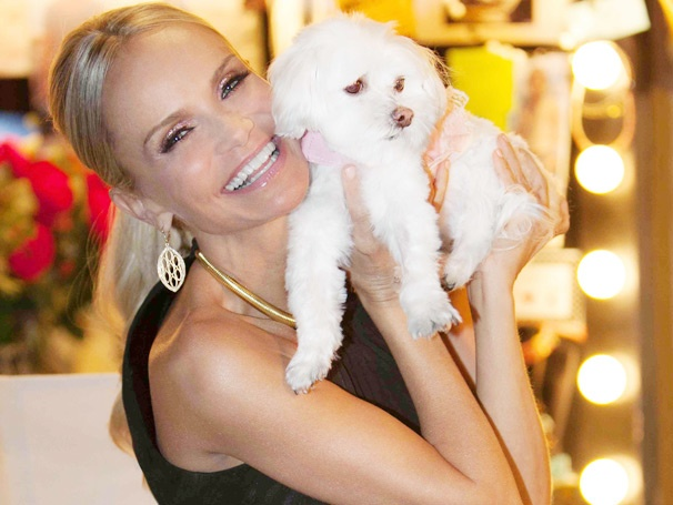Ruff Trip! Broadway Sweetheart Kristin Chenoweth Tweets Airline Doggy Drama