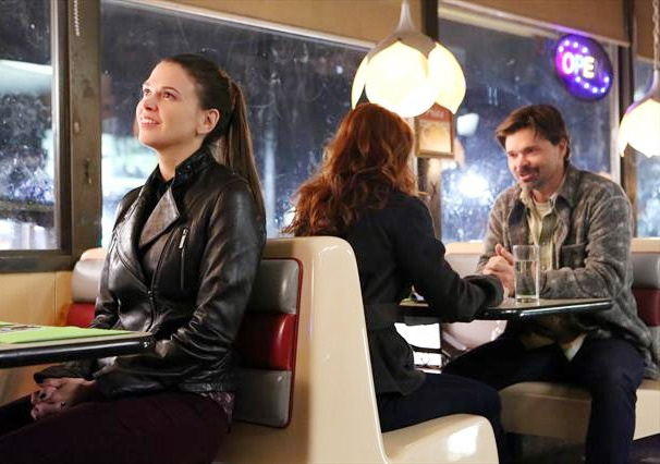 Its an Awkward Family Reunion For Sutton Foster on Bunheads