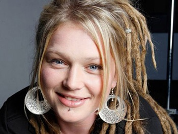 American Idol Runner-Up Crystal Bowersox to Make Broadway Debut in Always…Patsy Cline