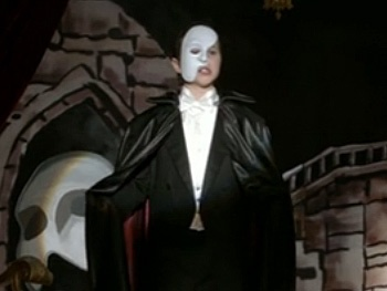 Phantom Fight! Watch Modern Family's Youngsters Duke It Out for the Title Role in The Phantom of the Opera
