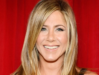 Jennifer Aniston Joins Broadway-Themed Ensemble Comedy Starring Owen Wilson