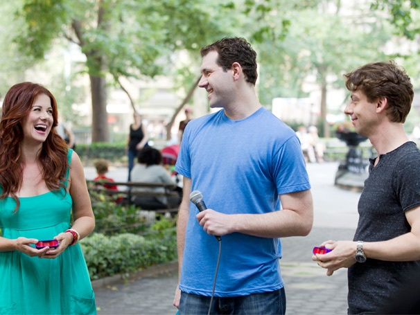 Hot Shot! Smashs Debra Messing and Christian Borle Get Grilled on Billy on the Street