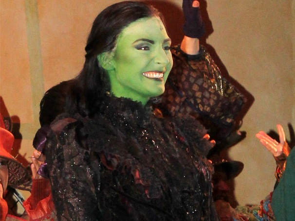 Go Inside Willemijn Verkaiks Wicked-ly Wonderful Opening Night as Broadway's New Elphaba