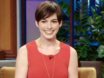 Anne Hathaway Gets Down to a 'Disco' Version of Les Miz & Gushes About Hugging George Clooney  on Leno