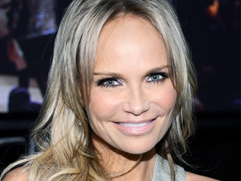 Kristin Chenoweth to Hit the Red Carpet as Co-Host of the Academy Awards Pre-Show