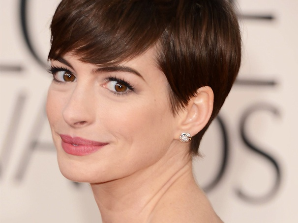 Duh! Anne Hathaway Wins the Best Supporting Actress Oscar for Les Misérables