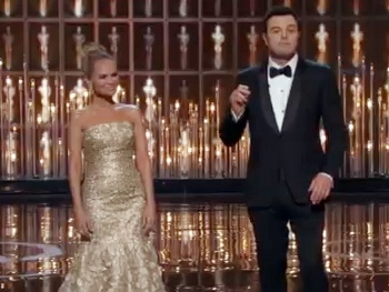That's All, Folks! Kristin Chenoweth Closes Out the Oscar Ceremony with Host Seth MacFarlane 