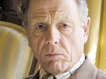 Edward Fox Replaces Injured Actor Robert Hardy as Winston Churchill in The Audience