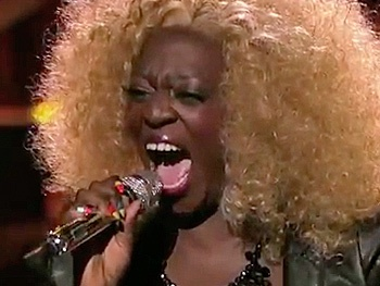 Watch American Idol Contestant Zoanette Johnson Rip Into The Lion King's 'Circle of Life'