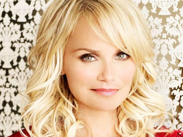Kristin Chenoweth on Her Red Carpet Nerves, Twitter Obsession, U.K. Concerts and Broadway Future