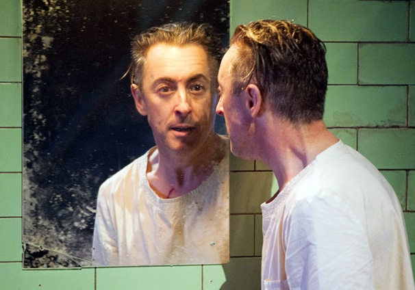 Alan Cumming's Solo Take on Macbeth Begins Broadway Performances