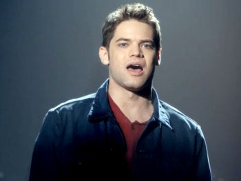 Watch Jeremy Jordan and Katharine McPhee Belt Out a New Pasek and Paul Song on Smash