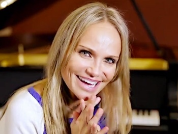 Get an Early Look at Kristin Chenoweth's 'Bag of Broadway Showstoppers' from Her Upcoming TV Concert