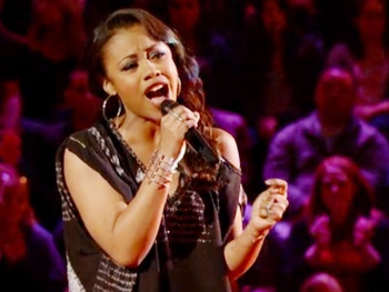 Watch Sasha Allens Fierce Battle Round Performance on The Voice