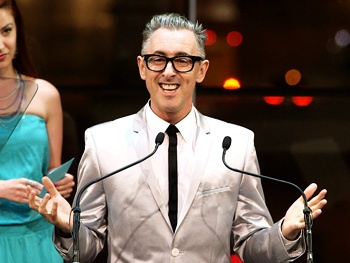 BACA 2013 Highlight! See Alan Cumming Win an Audience Choice Award for His 'F**king Weird' Macbeth