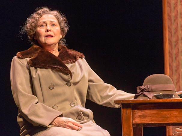 Tickets Now On Sale For The Glass Menagerie, Starring Cherry Jones, Zachary Quinto & Celia Keenan-Bolger