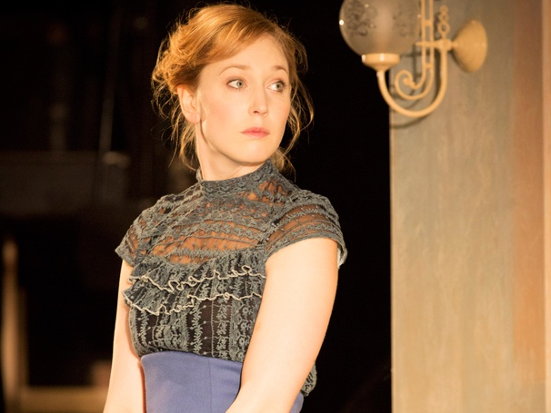 A Doll's House, Starring Hattie Morahan, Sets Transfer to the West End After Young Vic Run