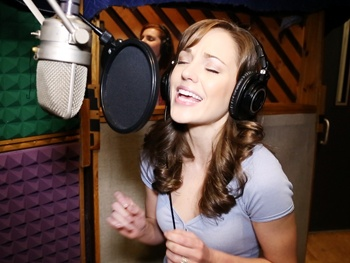Exclusive! Watch Laura Osnes, Santino Fontana and the Stars of Cinderella Record Their Cast Album